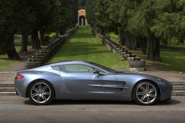 Aston Martin One 77 Wallpaper8