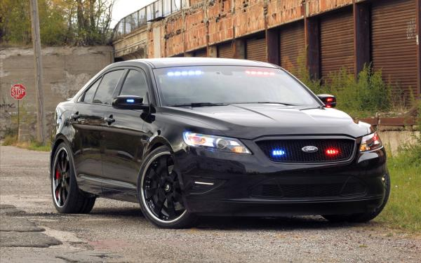 Ford Crown Victoria Police Interceptor Wallpaper2