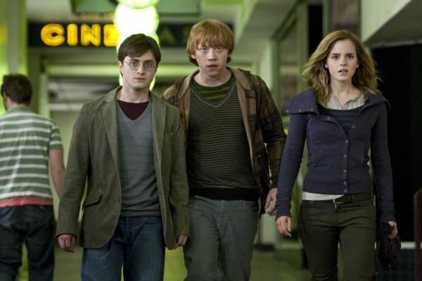 2010 Harry Potter And The Deathly Hallows Pi 001