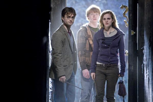 2010 Harry Potter And The Deathly Hallows Pi 002