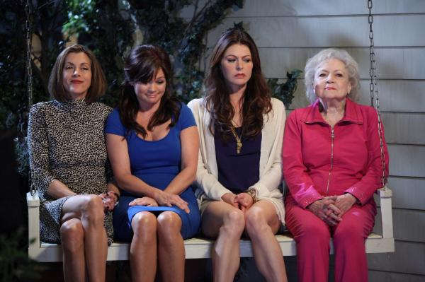 Hot In Cleveland Wallpaper 01