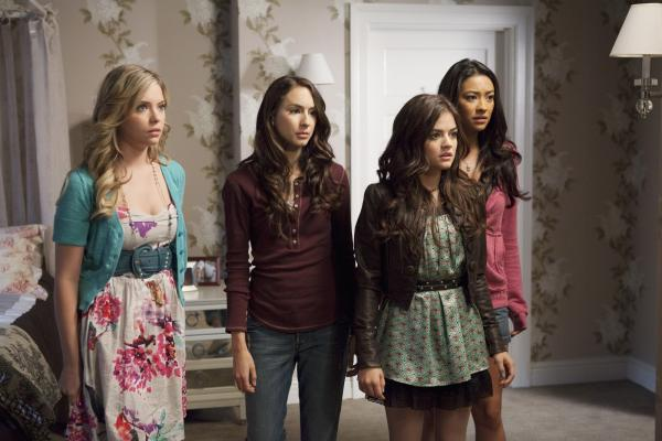 Pretty Little Liar Wallpaper 01