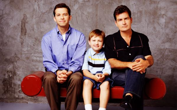 Two And A Half Men Wallpaper 03